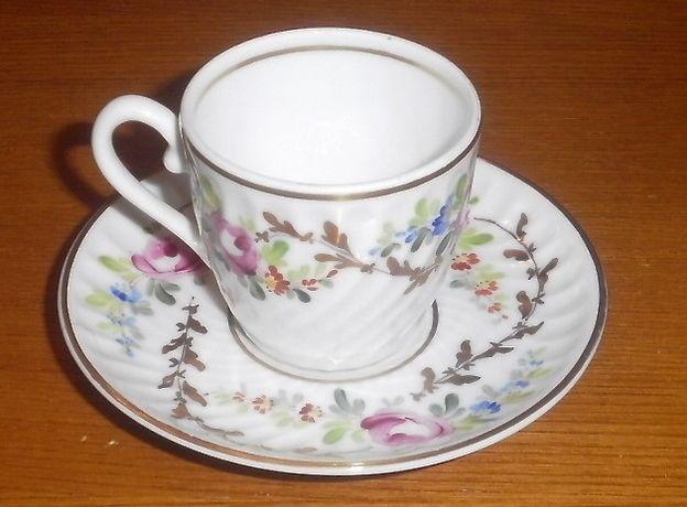 Chávena de café Vista Alegre pintada á mão