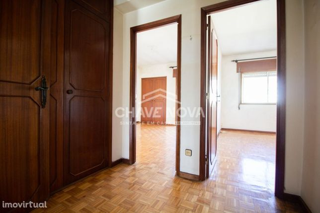 T4 Dúplex (ideal para 2 habitações) Zona Candal