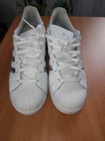 Buty damskie Adidas Superstar białe hologram r.38,5