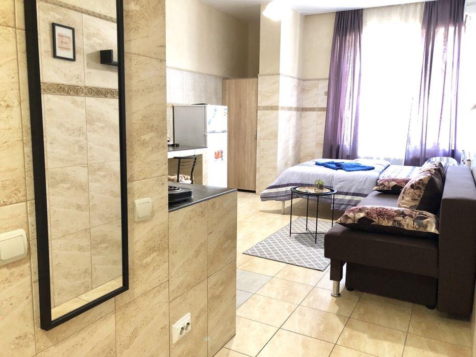 Посуточно Квартира, студио, новый дом, м Печерск, своя, Коновальца 36е-1
