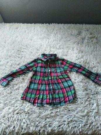 Koszula w krate dla dziewczynki.