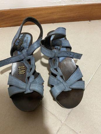 Sandálias azul