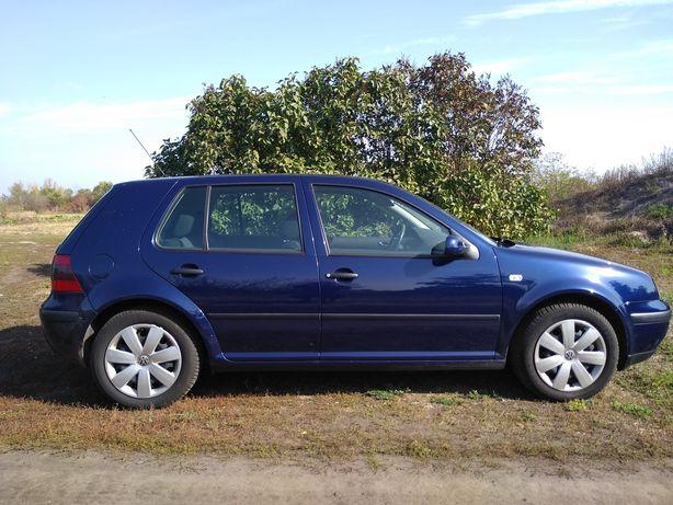 VW golf 4 2000 год.