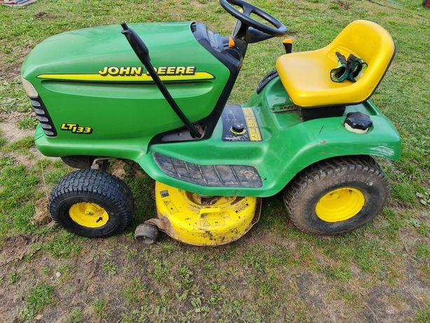 Traktorek kosiarka John Deere Lt133 13KM