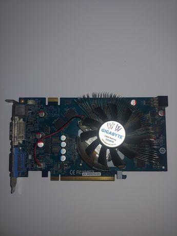 Видеокарта Gigabyte 9600GT 512mb. Тянет Танки на Средних легко