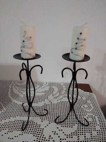 Castiçais em ferro preto