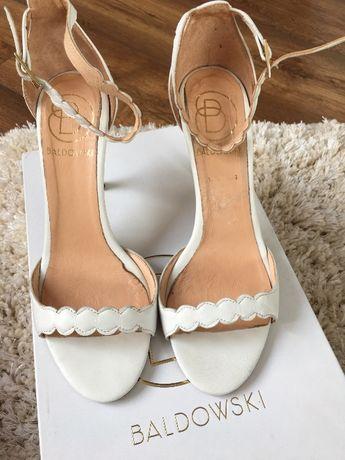 Buty ślubne - Sandałki białe, skórzane, 36, Baldowski