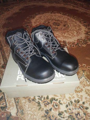 Buty robocze Bata Industrial r. 40, 41 nowe