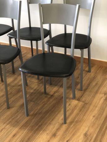 Vendo cadeiras Como Novas