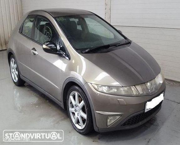 Honda Civic Viii hatchback FK1 2.2 CDTI de 2007 disponível para peças