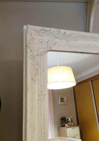 Espelho de pé em madeira