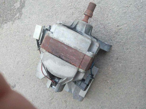 Двигун до пральної машини
