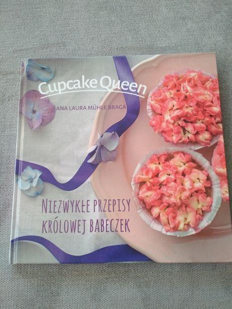 Cupcake Queen. Niezwykłe przepisy królowej babeczek - Ana Laura Mühle