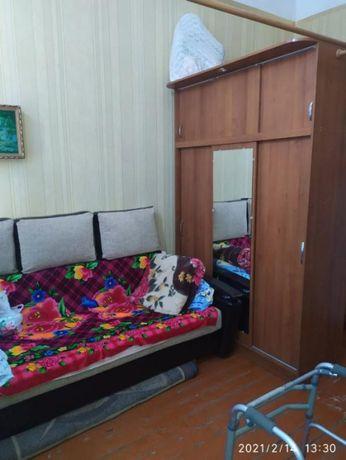 Продам комнату рядом с метро Малышева.