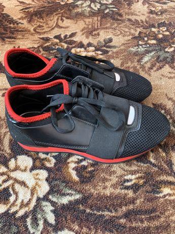 Легкие кросовки