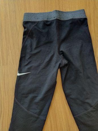 Calças de lycra Nike tamanho M (10/12 anos)
