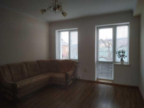 ПРОДАЄТЬСЯ 1 кімн. квартира частково з меблями.