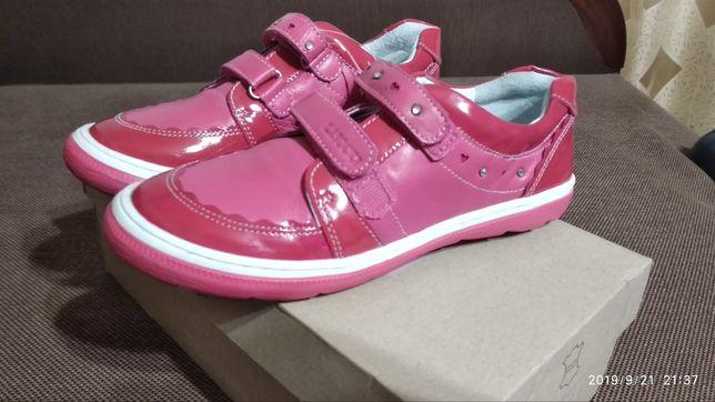 Взуття шкіряне дитяче 34 розмір 21,5см