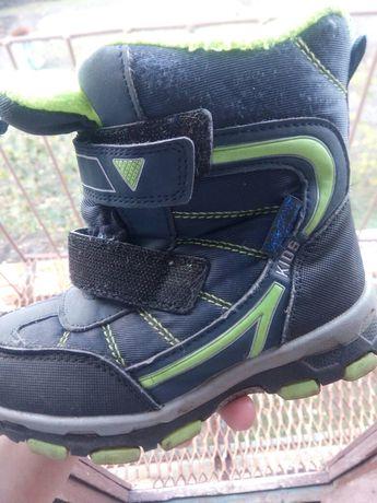 Продам дитячі зимові ботинки