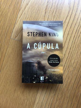 "Livro ""A cúpula"", de Stephen King"