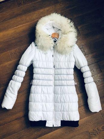 Пухова зимова куртка, розмір 36