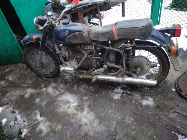 Продам  мотоцикл Днепр -11  с коляской