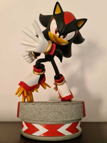 Sonic  the Hedgehog- Shadow Exclusive Statue FIRST 4 FIGURES SEGA