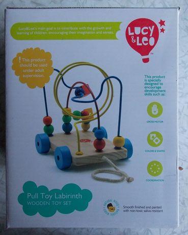 Деревянная развивающая игрушка Лабиринт-каталка Lucy & Leo.