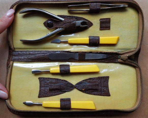 Przybory do manicure, zestaw niekompletny w kosmetyczce zapinanej na s