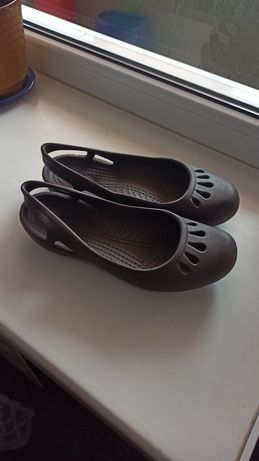 Crocs босоножки мыльницы коричневые