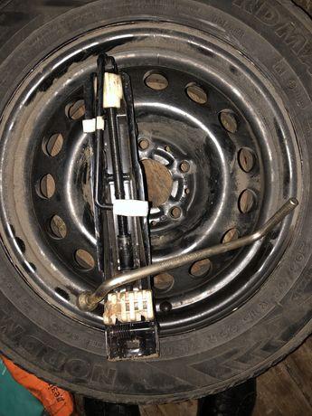 Клмплект на БМВ е39 е38 е46 домкрат и ключ и запаска оригинал