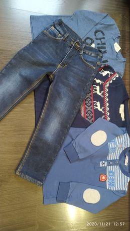Теплые джинсы, свитер и регланы на мальчика 4-6лет.