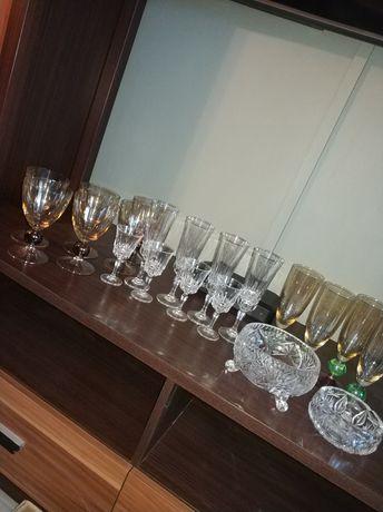Zestaw szklanych kieliszków