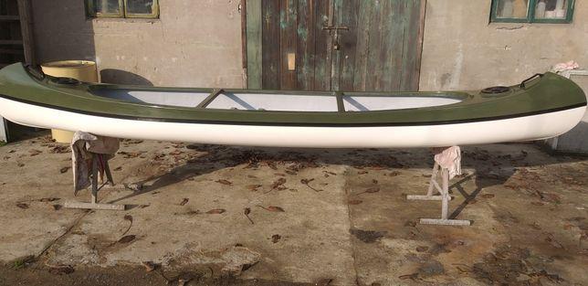 Canoe trzyosobowe