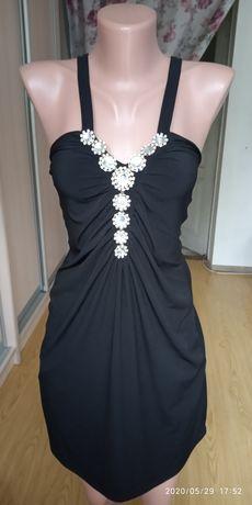 Чорне плаття, червоне, з квітами, юбка в пол.38,44,46розмір