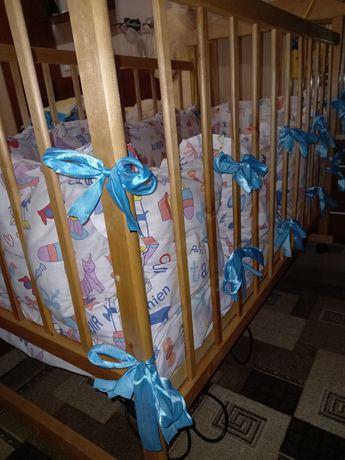 Кроватка детская с матрасом и комплектом подушек и постельного белья