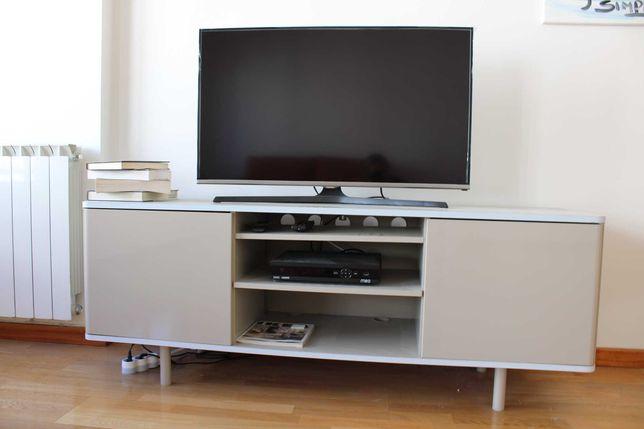 Móvel TV (televisao) IKEA Mostorp - Estante/armario/comoda/aparador