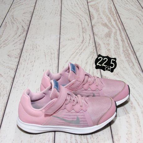 Nike (22,5 см) оригинал. Кроссовки для девочки