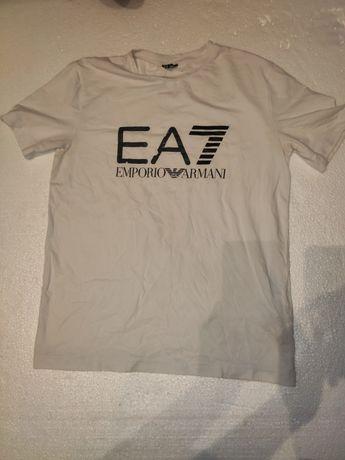 Футболка Emporio Armani.
