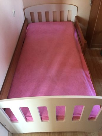 Łóżko dla dziecka z szufladą