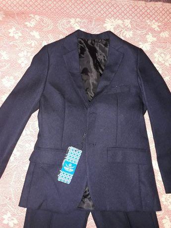Новый синий костюм тройка на рост 122-128+рубашка и брюки в подарок