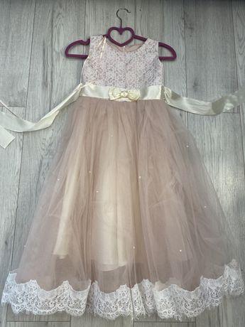 Платья нарядные,на Новый год