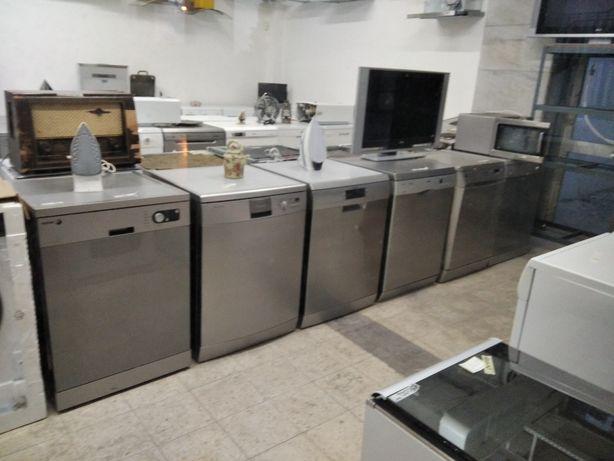 Maquina de Lavar loiça cor inox