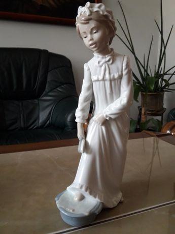 Figurka porcelanowa 28,5 cm. NAO LLADRO - Daisa