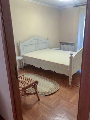 Аренда 3-ой квартиры ул. Драгоманова 20, метро Осокорки