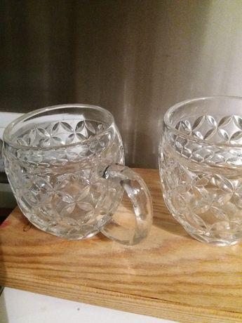 2 frascos p azeite e vinagre e Canecas de vidro para cerveja lindas