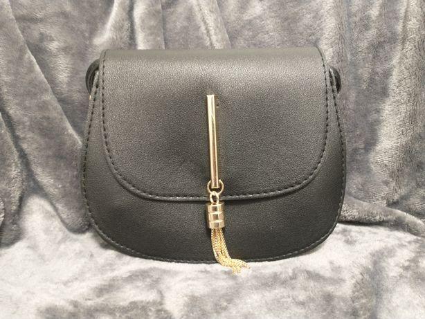 Mała czarna torebka