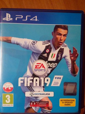 Gra FIFA 19  na PS4