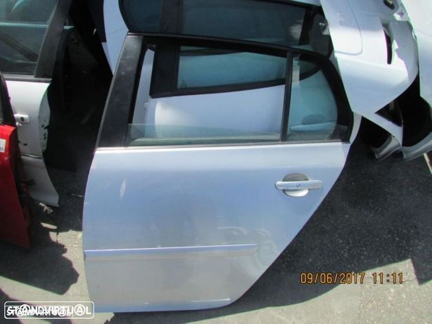 Porta Traseira Esquerda VW Golf V do ano 2004
