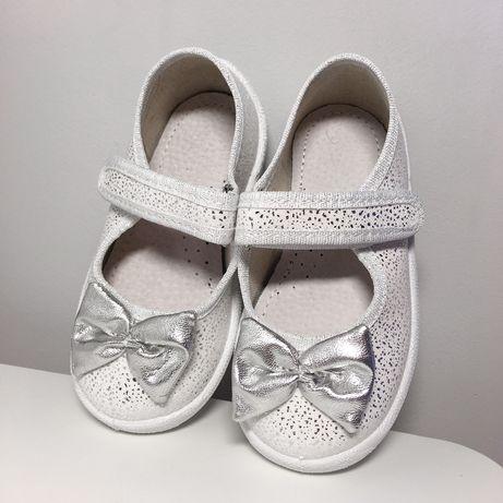 Тапочки босоножки 21,23 туфли, тапки,босоніжки,святкові